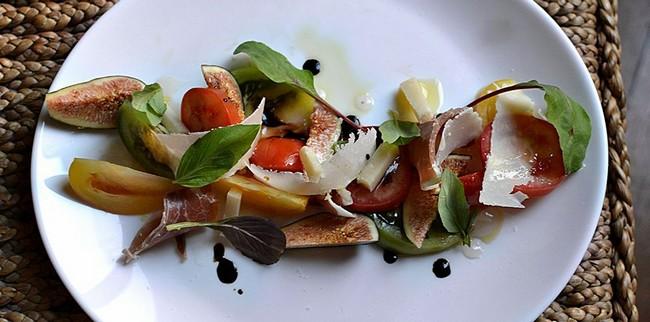 Salade Figues Jambon de Parme Parmesan