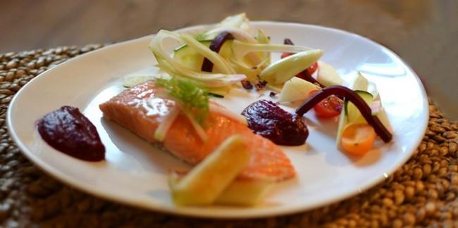 Saumon Basse Température, Betterave, Pomme, Salade