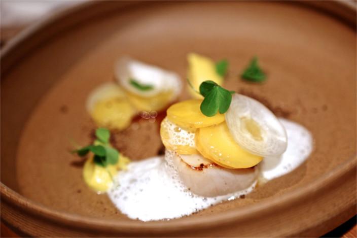 Le Sola, restaurant haute-couture de Yoshitake Hiroki