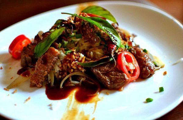 Boeuf sauté au basilic thaï - recette