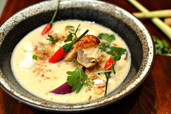 Soupe Poulet Lait de coco Citronnelle Tom Kha Kai