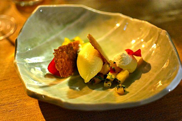 restaurant Miles Bordeaux - Glace au safran mousse rose pistache mangue