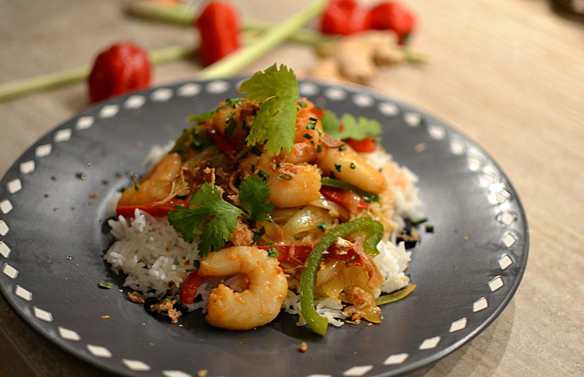 Crevettes sautées au piment et à la ciboulette thaï