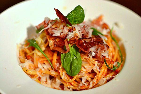 Linguine Speck et parmesan, pasta italienne
