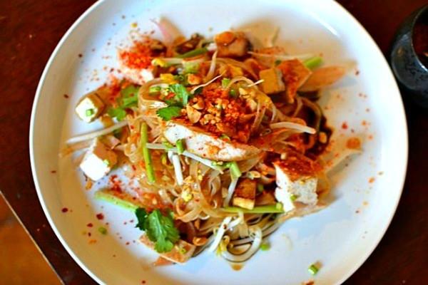 Recette pad tha au poulet la recette tha embl matique for Cuisine thailandaise