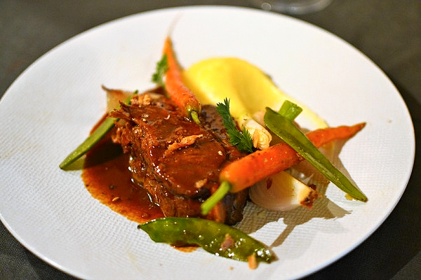 Echine de cochon confite gastronomique