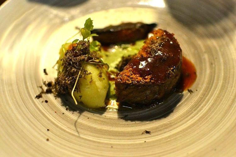 Agneau confit 6 heures, purée, sauce à la menthe et oignon grille - Restaurant Pirouette, Paris