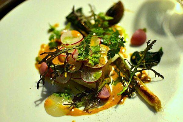 Merlan de ligne, poireau grillé, radis condiment dattes - Restaurant Pirouette, Paris