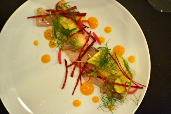 Restaurant italien IDA Paris Denny Imbroisi - Carpaccio de bar abricot mostarda