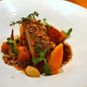 Épaule ou palette de porc confite au sirop d'érable, potimarron et sarrasin
