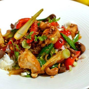 Poulet thaï sauté aux noix de cajou : la recette facile