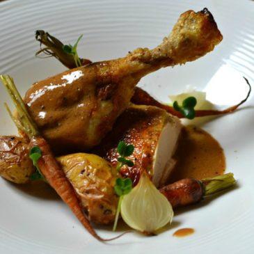 Chapon rôti au foie gras, sauce «Albufera», la recette idéale pour Noël !