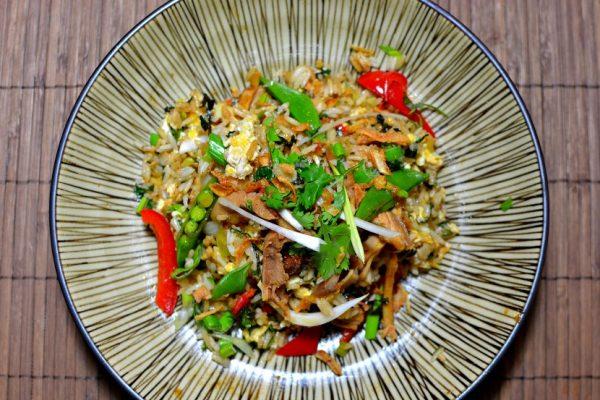 Riz sauté au poulet à la thaïlandaise (Khao Kai Pad)