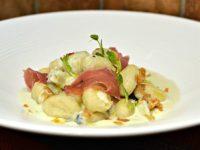 Gnocchi au gorgonzola et jambon de parme
