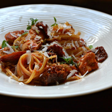Pâtes au poulet et aux tomates séchées : les pasta ensoleillées à l'italienne