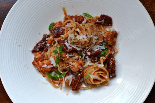 p 226 tes au poulet et aux tomates s 233 ch 233 es la recette facile faite maison