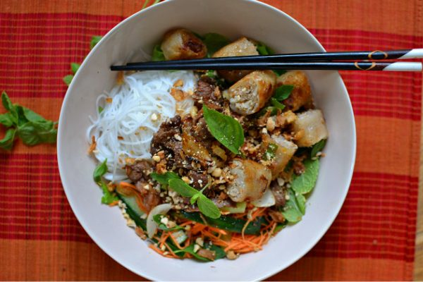 Le bo bun au boeuf vietnamien