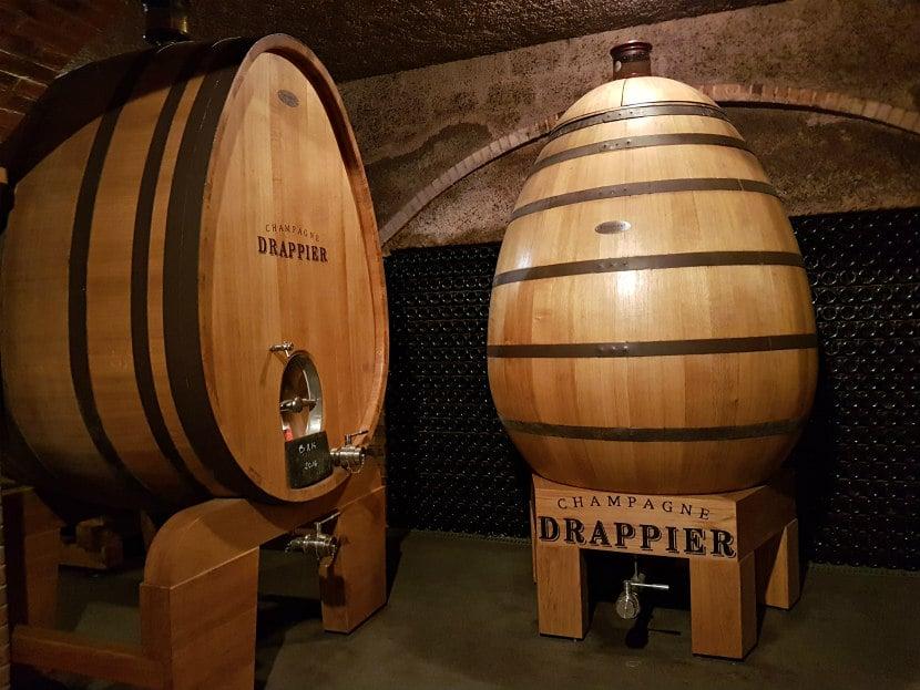 Comment fait du vin Cuves bois oeuf