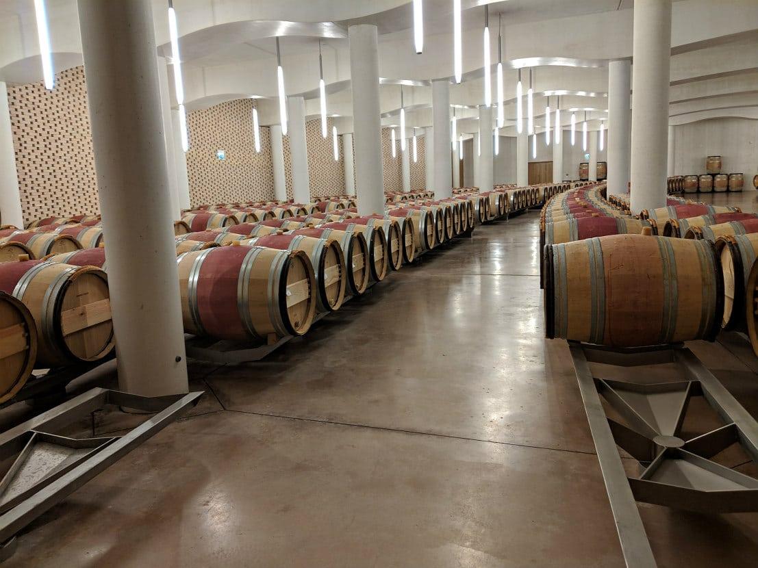 Comment fait du vin chais barriques