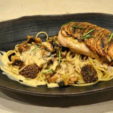 Escalope en Écailles de Champignons, Spaghettis aux Morilles à la Crème