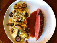 Magret de canard aux épices douces, tagliatelles champignons