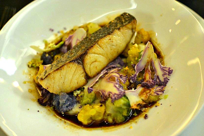 Restaurant 39 V - Vardon - Aigle-bar, choux et jus epice