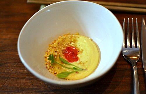 Crème de maïs et oeuf de saumon - Restaurant Dan à Bordeaux