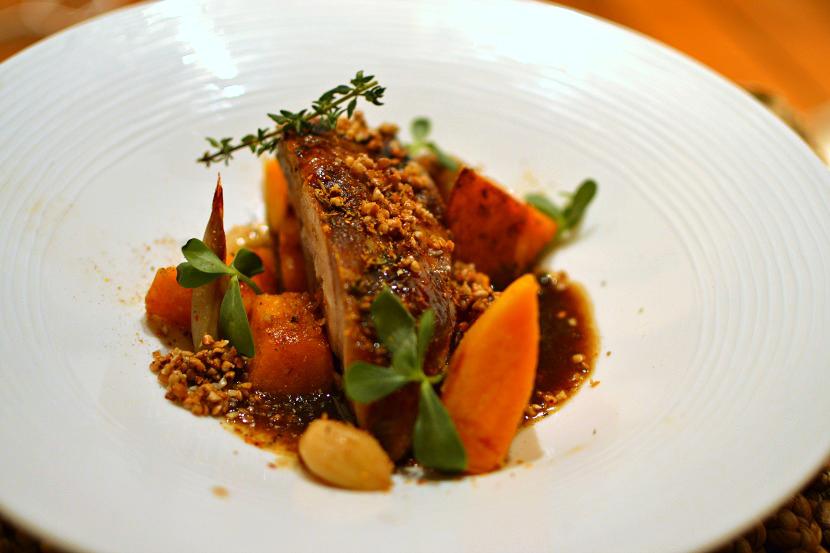 Épaule de porc confite au sirop d'érable, potimarron et sarrasin