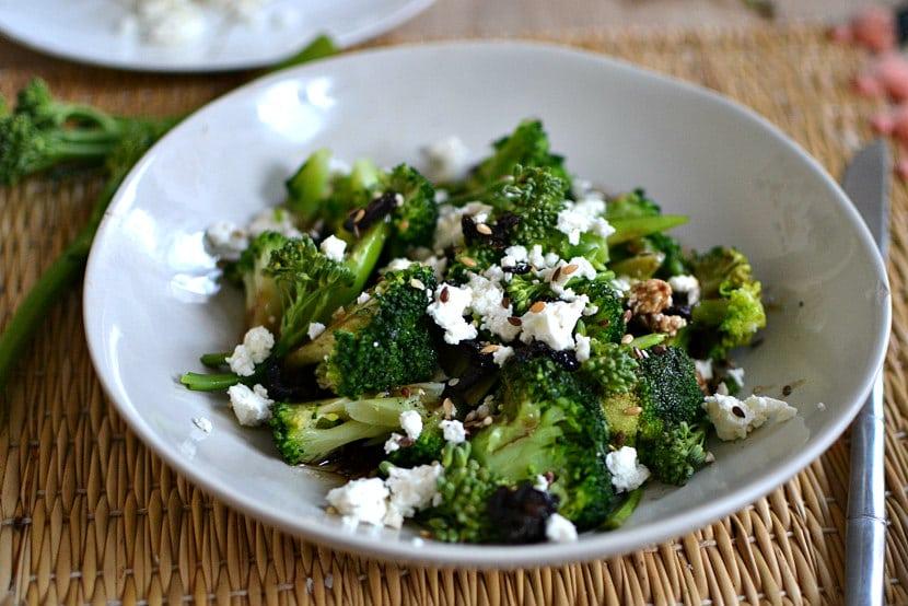 Salade brocolis feta olive
