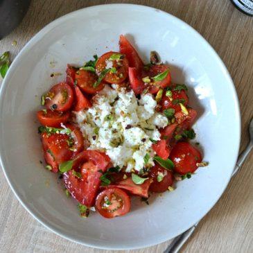 Salade tomates et ricotta aux herbes : light et fraîche