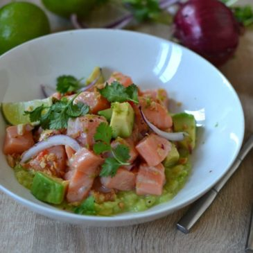 Ceviche de saumon à l'avocat et citron vert : la recette facile en mode péruvien
