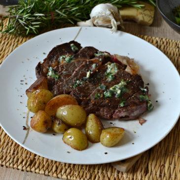 Entrecôte au beurre persillé ou beurre maître d'hôtel : la recette comme au restaurant