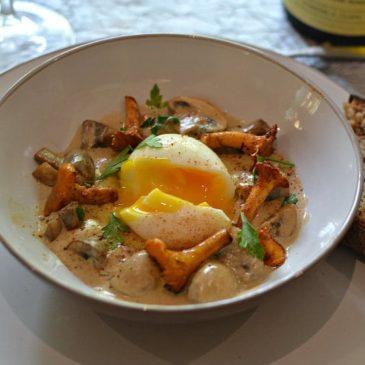Oeuf mollet aux girolles à la crème : la recette facile et gourmande