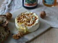camembert roti au miel et aux noix